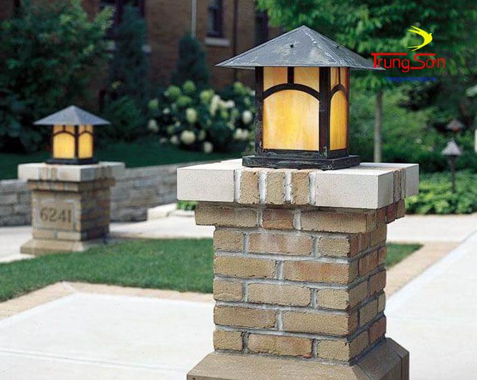 gạch cổ viên làm trụ đèn sân vườn